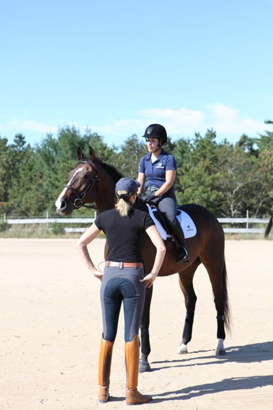 Shannon chats with SmartPaker Kristina while rocking our Alexus Full Seat Breeches