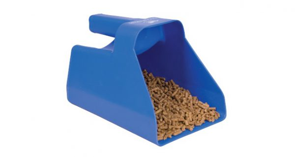 Horse feed scoop